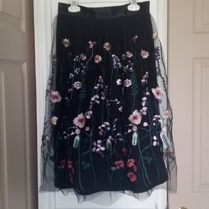 H&M Floral Black Embroidered skirt
